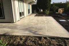 aanleg-terras-met-vijver-4